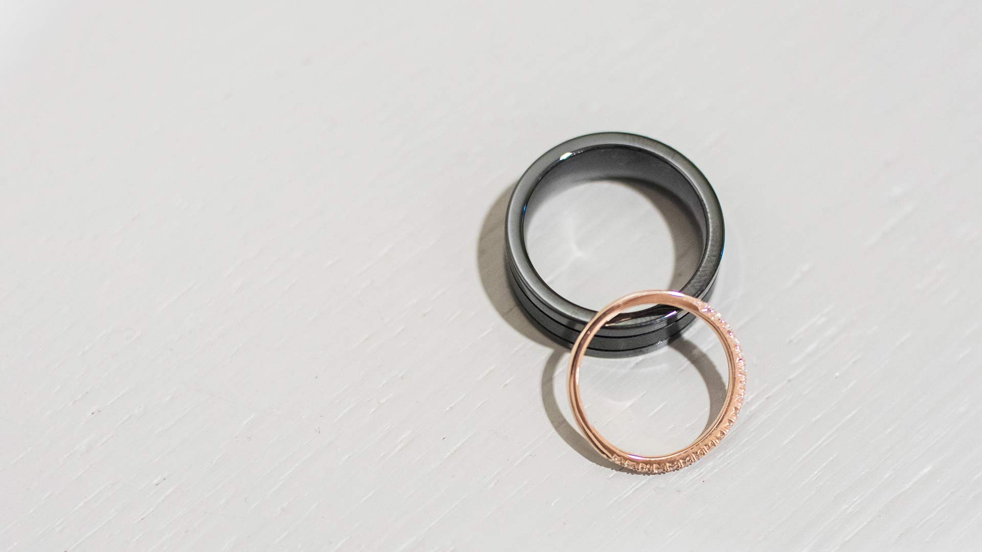 wedding-rings-light-background